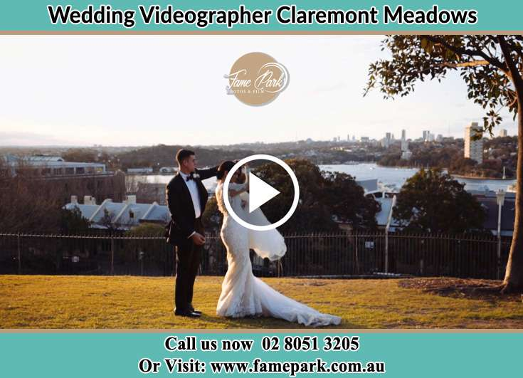 Bride and Groom at the hill Claremont Meadows NSW 2747