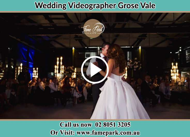 Bride and Groom at the dance floor Grose Vale NSW 2753